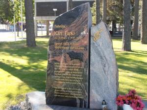 Kari Tapion muistomerkki